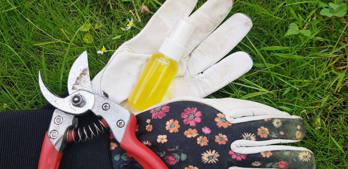 SOMMARFRÄSCH, en snabb och enkel deospray med citronskal
